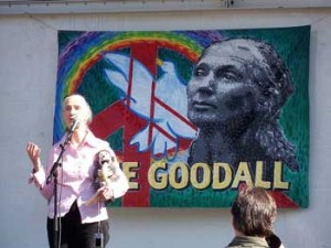 Book cover: Jane Goodall talking at event